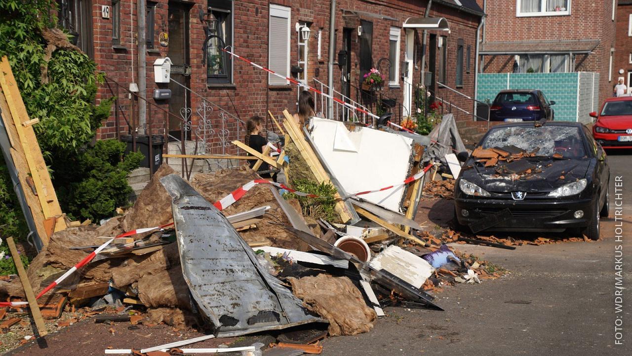 Straße in Bocholt durch Tornado verwüstet