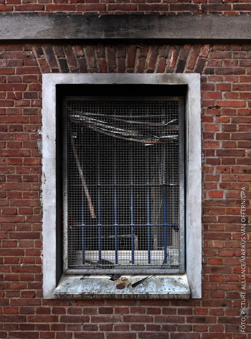 Spuren des Brandes in der Zelle 143 sind in der Klever Justizvollzugsanstalt zu sehen.