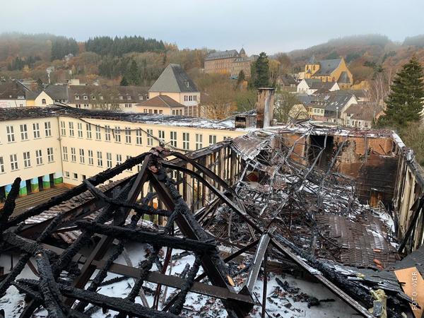 Abgebrannte Schule in Schleider