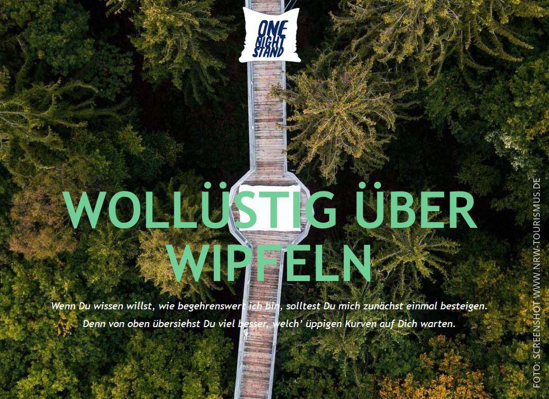 """Ein Bild von einem Wald mit dem Spruch """"Wollüstig über Wipfeln"""""""