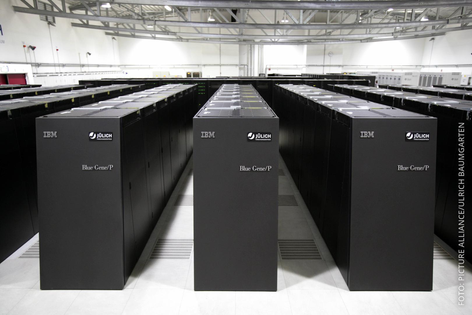 Viele PCs nebeneinander