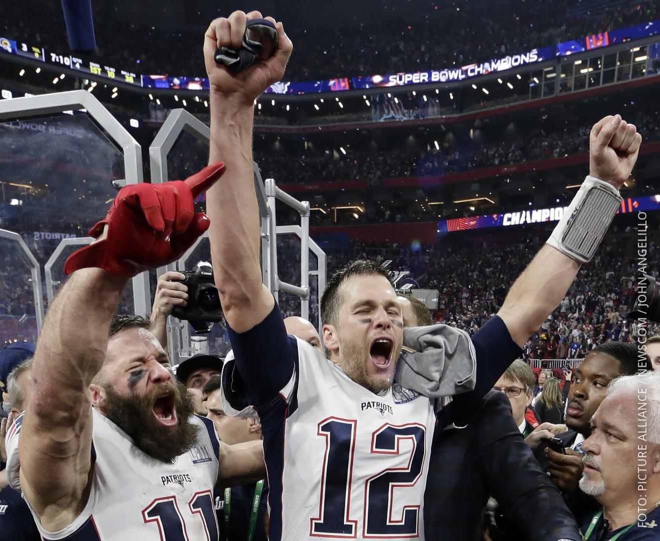 Julian Edelman und Tom Brady von den New England Patriots feiern den Super-Bowl-Sieg.