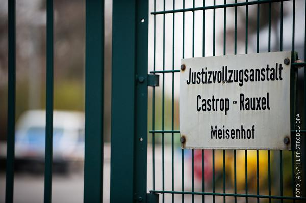 Das Torschild der JVA in Castrop-Rauxel