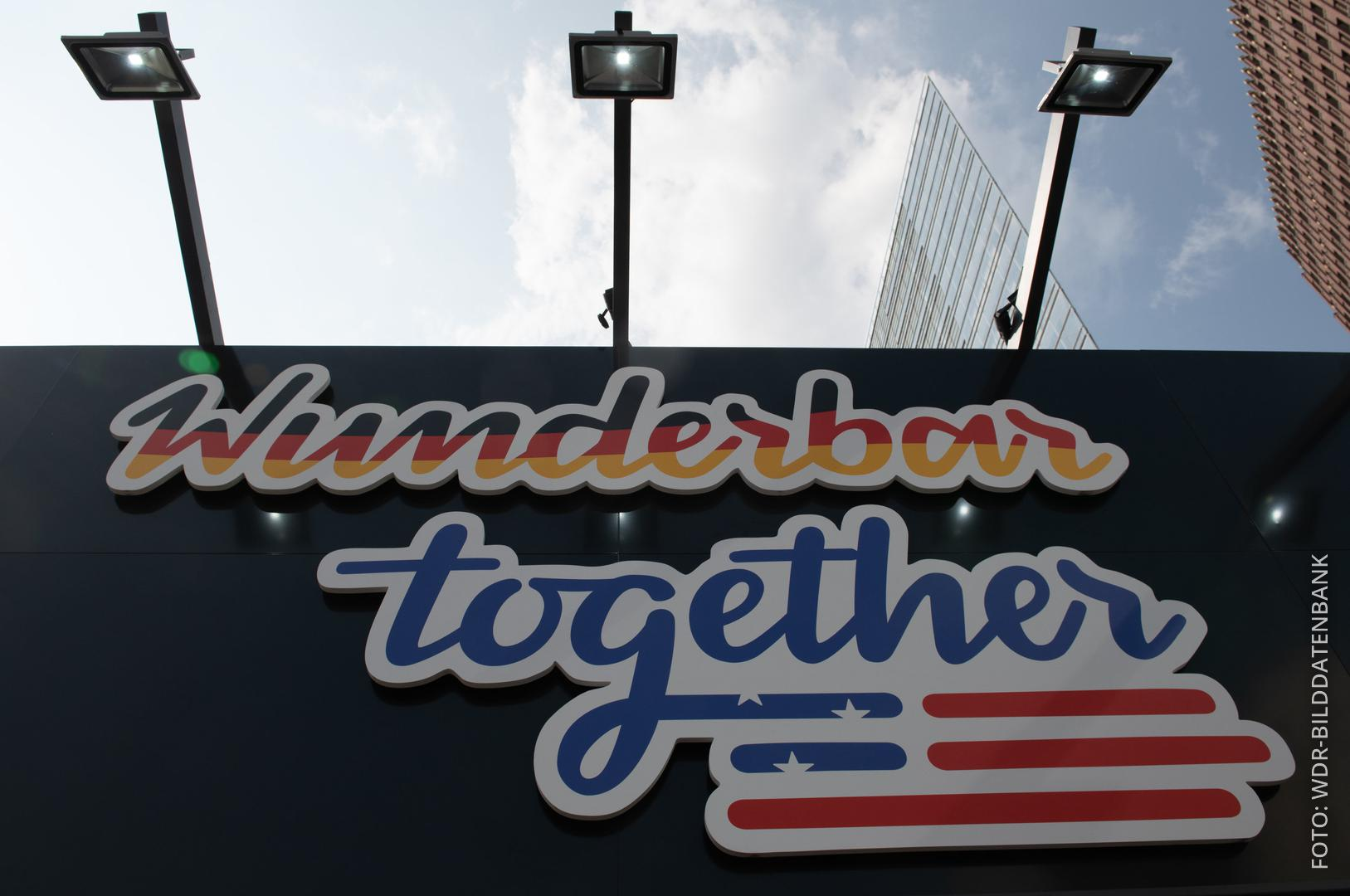"Logo ""Wunderbar Together"" in Berlin"