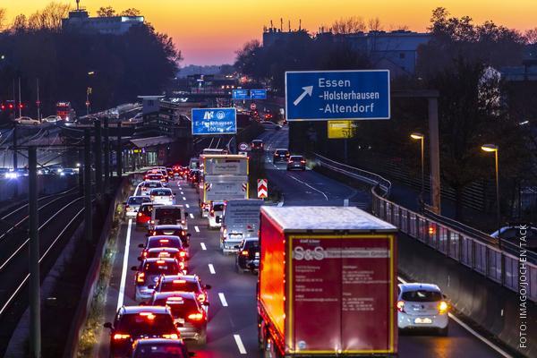 Stau auf der A40 - Ruhrschnellweg