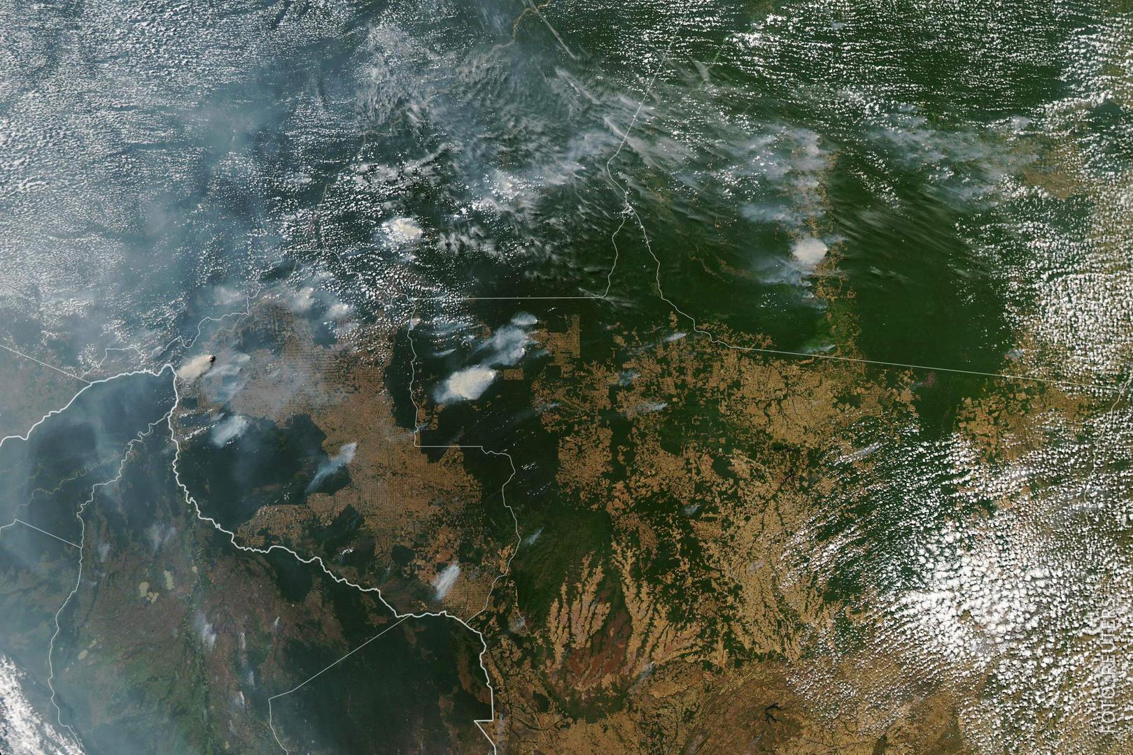 Satellitenbild der Rauchwolken