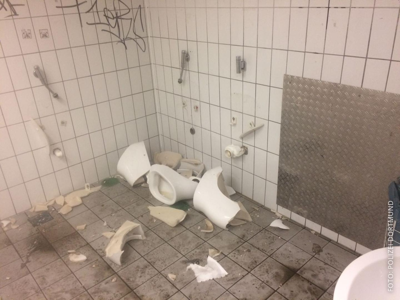 Kaputte Toiletten im Dortmunder Stadion