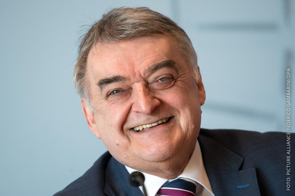 NRW-Innenminister Reul stellt die Kriminalitätsstatistik 2018 vor