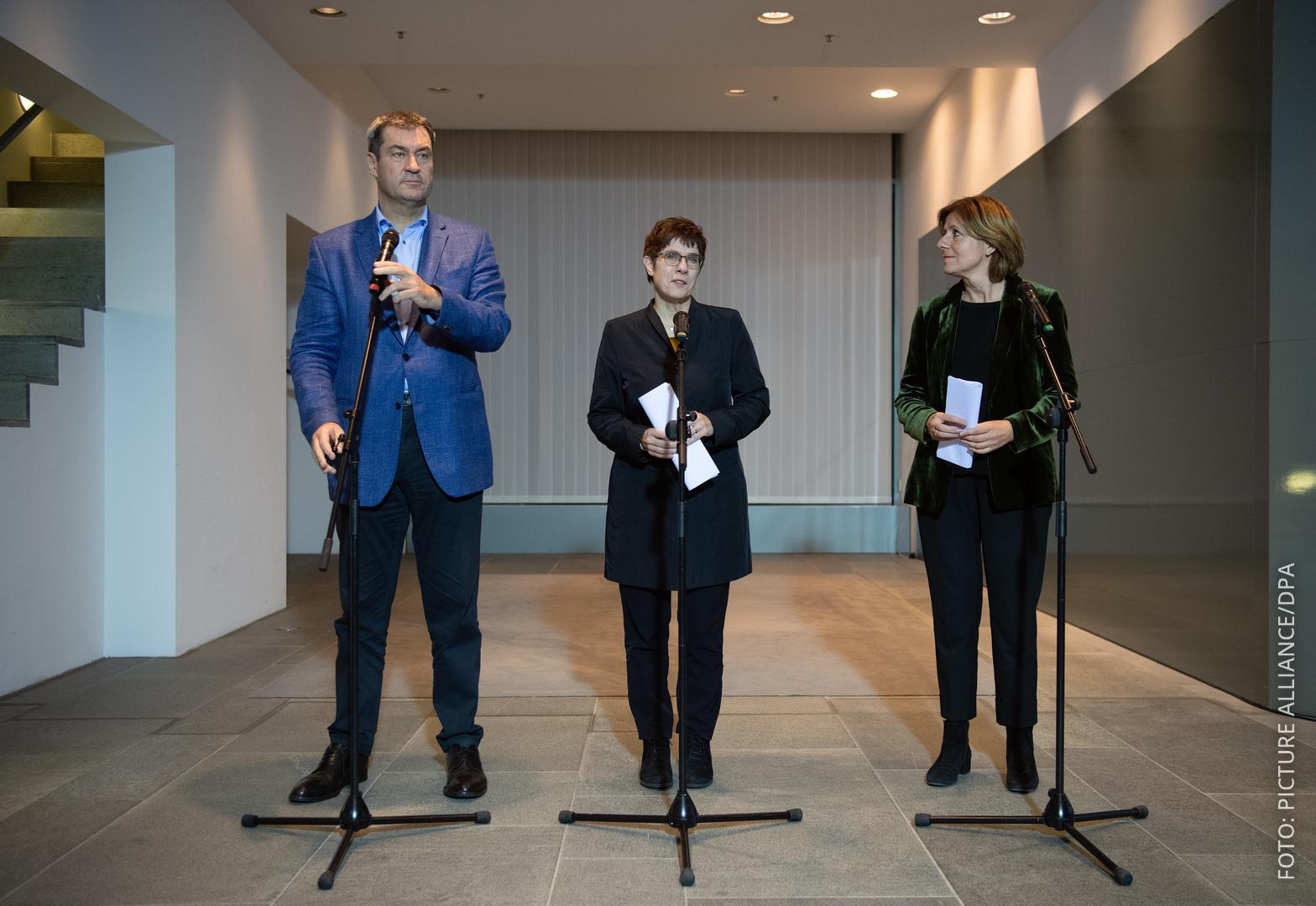 Die Parteivorsitzenden von CSU, CDU und SPD bei der Vorstellung der Einigung zur Grundrente in Berlin.