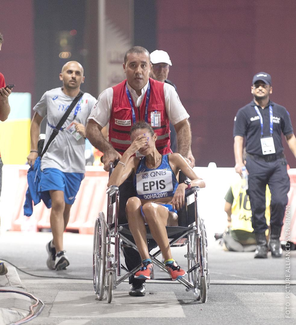 Marathon Läuferin kollabierte
