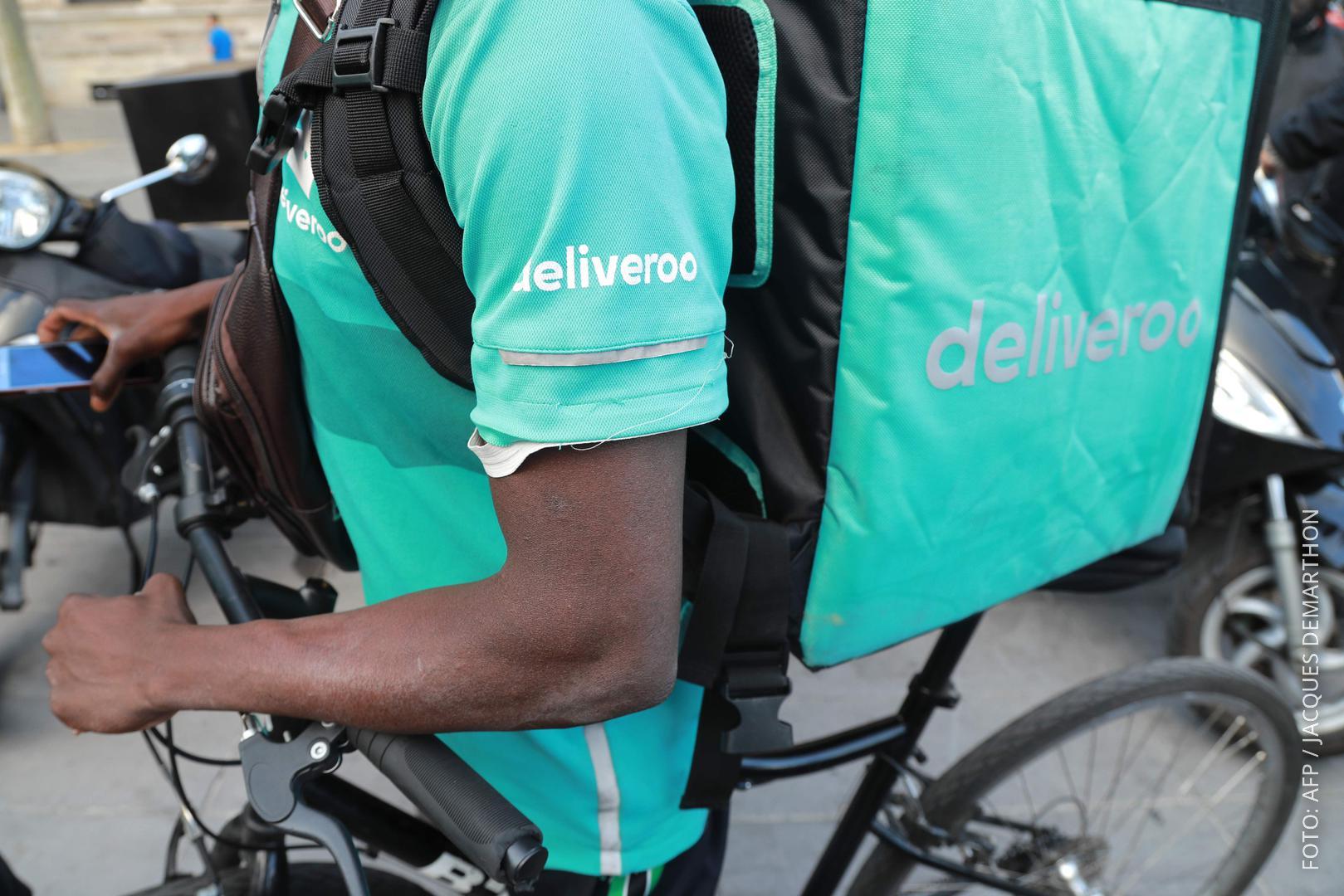 Grüne Deliveroo-Kleidung.