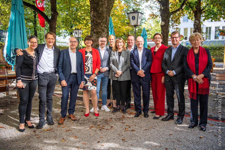 Die 12 Kandidaten für den Parteivorsitz der SDP
